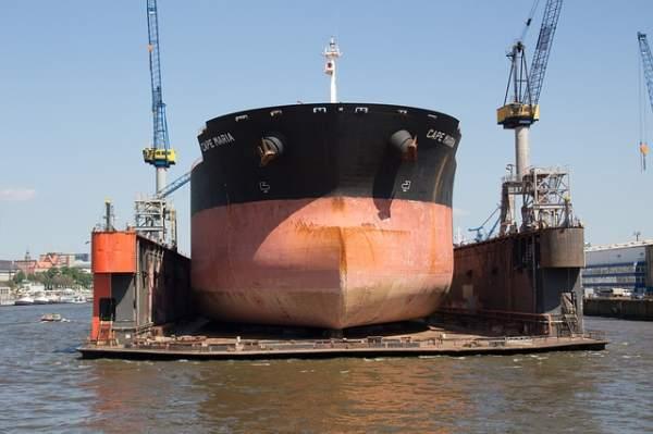 Werft Blohm und Voss im Hamburger Hafen